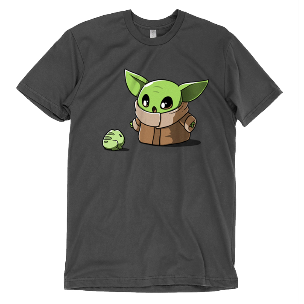 Snack Time t-shirt officially licensed Star Wars charcoal t-shirt featuring the child from the mandalorian staring at a little frog