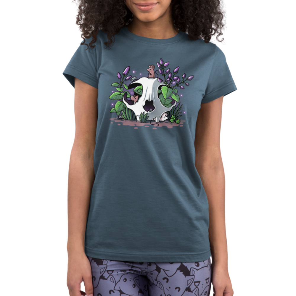 Skullduggery Junior's t-shirt model TeeTurtle denim blue t-shirt featuring an animal skull with green leaves and purple flowers growing out of it with three smiley mice, one on top of the skull, one poking out of the eye of the skull, and one underneath the skull on the ground