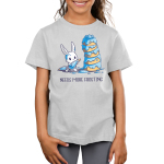 I Love Frosting Kid's t-shirt model TeeTurtle silver t-shirt featuring a white bunny covered in blue frosting that's holding a frosting bag with a frosting bag behind him, and he's standing in front of a five-layered light brown cake covered in blue frosting.