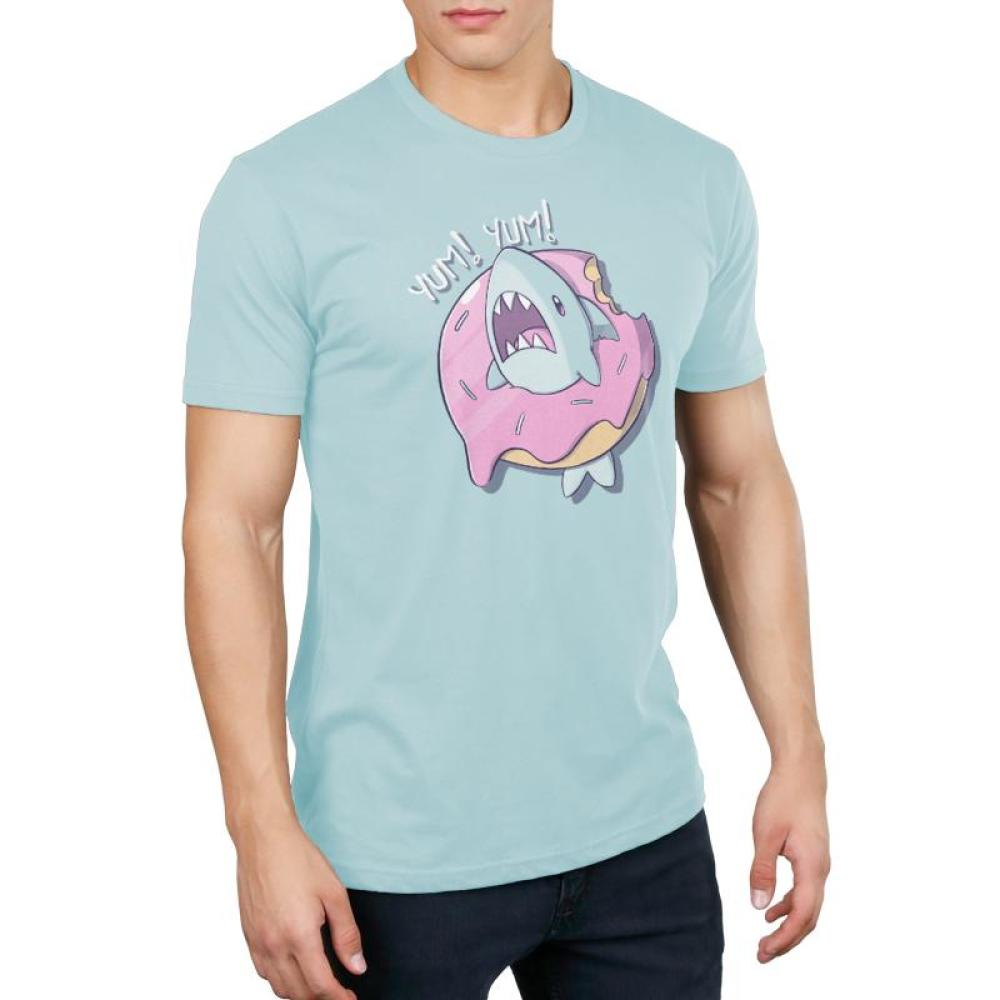 Shark Attack Men's T-shirt Model TeeTurtle Light Blue T-shirt featuring a shark inside of a donut with shirt test